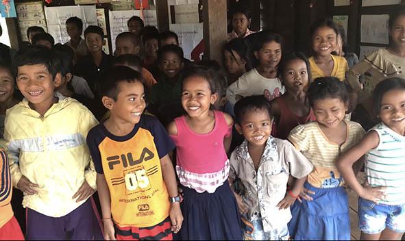 カンボジア子どもたち.jpg