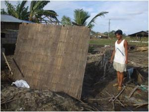 This is the Barangay Pulo in Hermosa, Bataan most houses in this area is made of light materials like bamboo and cogon grass.JPG