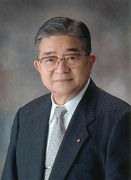 堀内創立理事長.jpg
